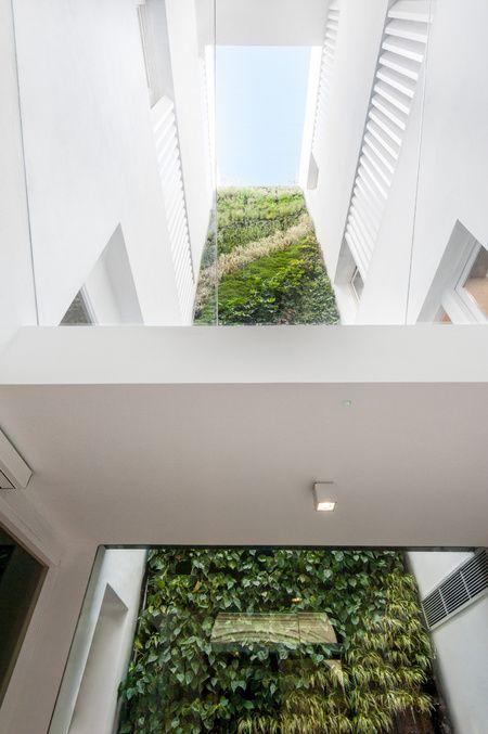 Mercer Hotel Sevilla Vertical Garden